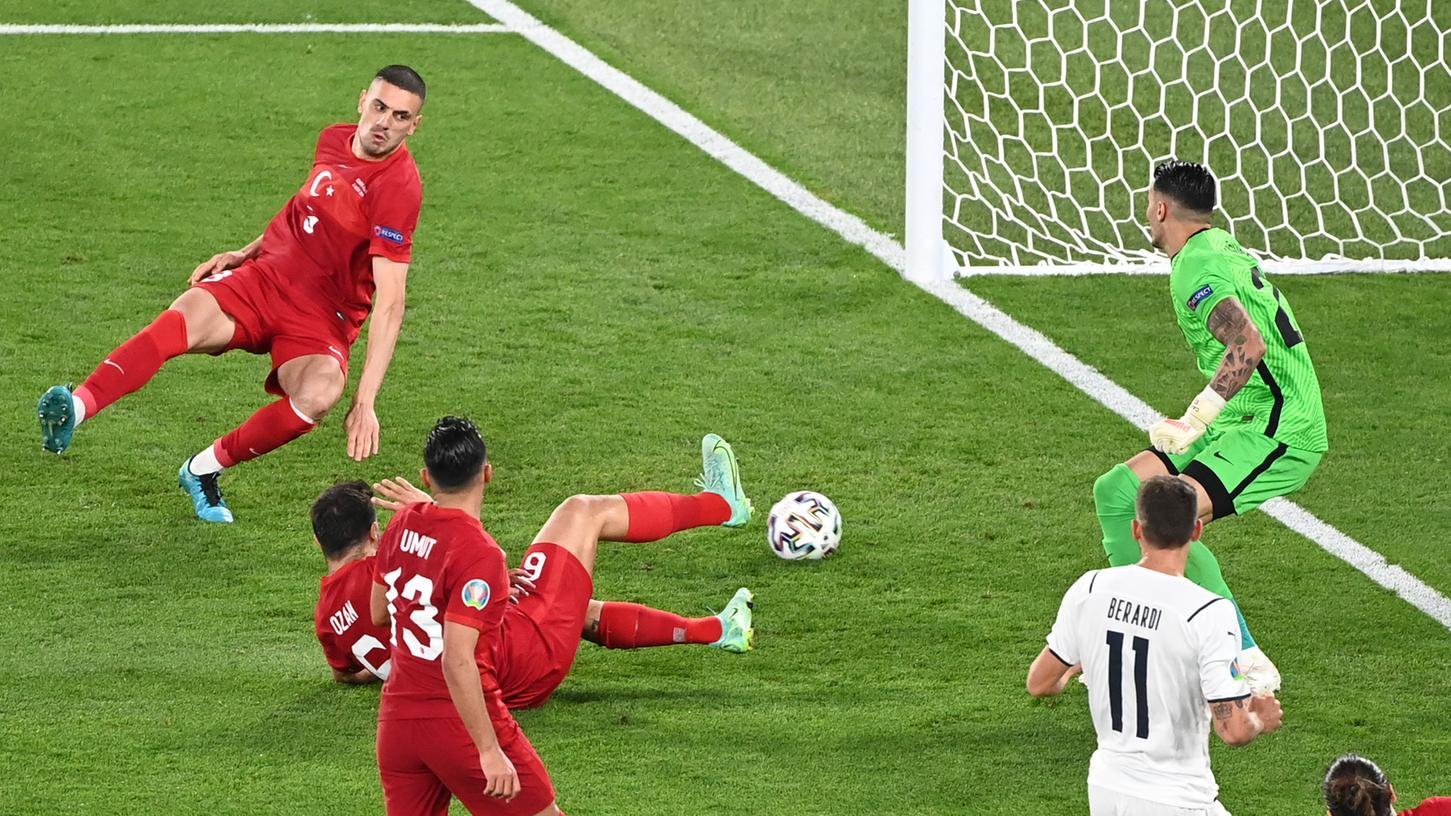 Gar nicht gut: Das einzige Tor, das die Türkei im Eröffnungsspiel gegen Italien machte, war ein Eigentor.