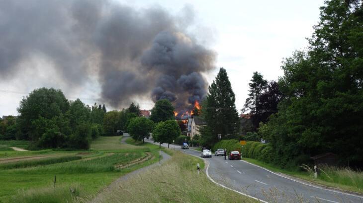 Von Lauf kommend konnte man den Großbrand sofort erkennen.