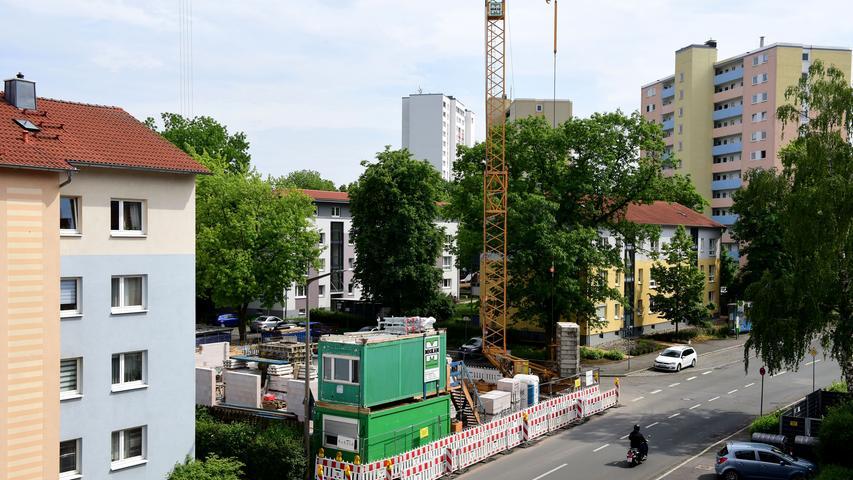 An der Ecke von Soldnerstraße und Leibnizstraße versuchten verschiedene Gastronomen ihr Glück - ohne Erfolg. Jetzt entsteht stattdessen ein neues Gebäude für weitere Wohnungen.