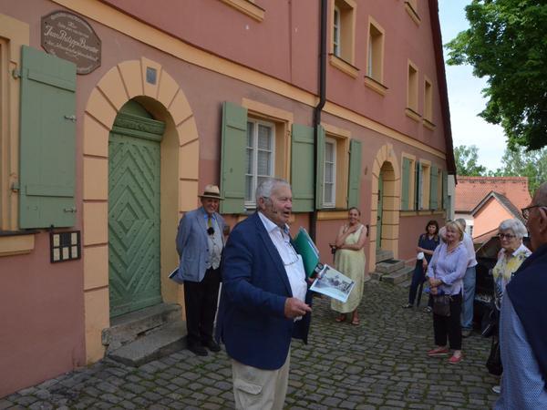 Boxlohe 9: Das Wohnhaus der Familie Baratier. Geboren wurde Jean-Philippe im alten Pfarrhaus in der Friedrichstraße, das nicht mehr existiert. Kurz nach seiner Geburt zog die Familie ins neue Pfarrhaus. Hier lebte Jean-Philippe bis zu seinem 14. Lebensjahr. Dann folgte der Umzug nach Halle.