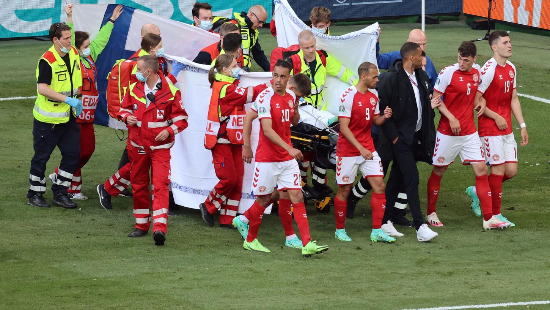 Der 29 Jahre alte Eriksen von Inter Mailand war kurz vor dem Ende der ersten Halbzeit auf dem Platz kollabiert und musste reanimiert werden.