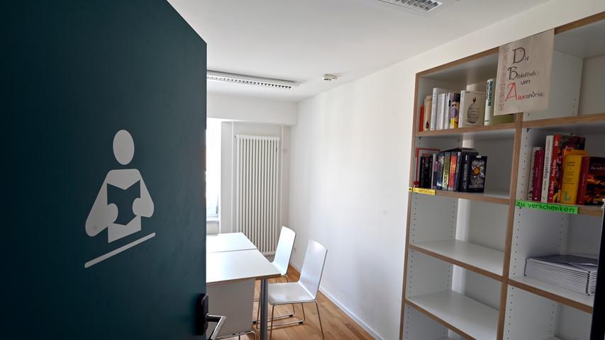 17,5 Millionen Euro teuer, 2,5 Jahre Bauzeit: Das erste studentische Wohnheim in Erlangen, das ursprünglich 1951 errichtet worden war, präsentiert sich in neuem Glanz. Vorhang auf fürs Alexandrinum.