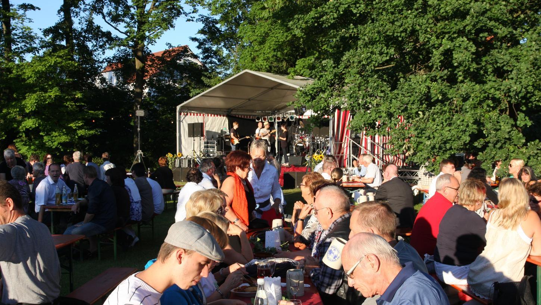 Auch heuer muss das Schlossgartenfest in Adelsdorf abgesagt werden. Hier ein Archivbild aus besseren Zeiten.