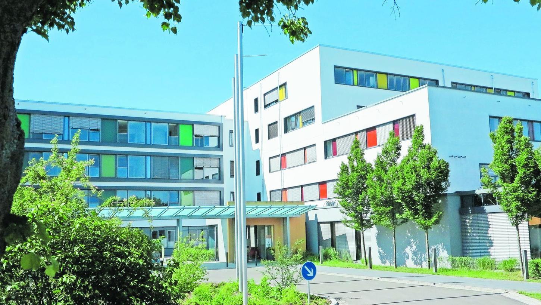 Das Krankenhaus auf dem Reutberg hat einen guten Ruf weit über die Kreisgrenzen hinaus und präsentiert sich auch baulich im Patienten-, Verwaltungs- und Technikbereich auf dem allerneuesten Stand.