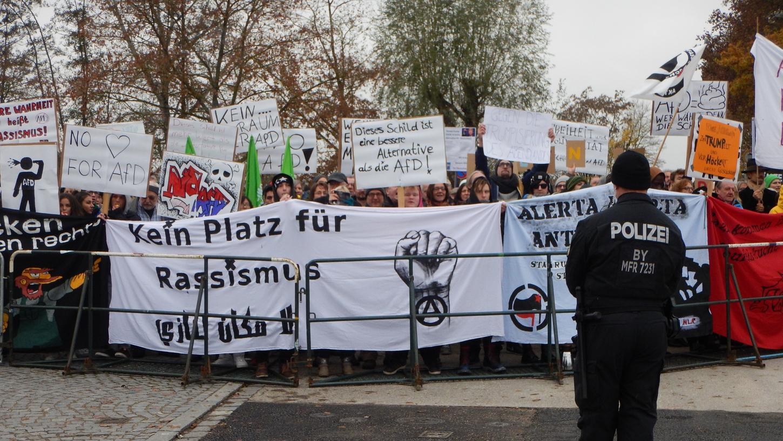 Im Herbst 2016 sprach Björn Höcke in der Stadthalle, damals protestierten 500 Menschen gegen den Auftritt des AfDlers in Gunzenhausen. Nun ruft das Landkreisbündnis gegen Rechts erneut zum Protest auf.