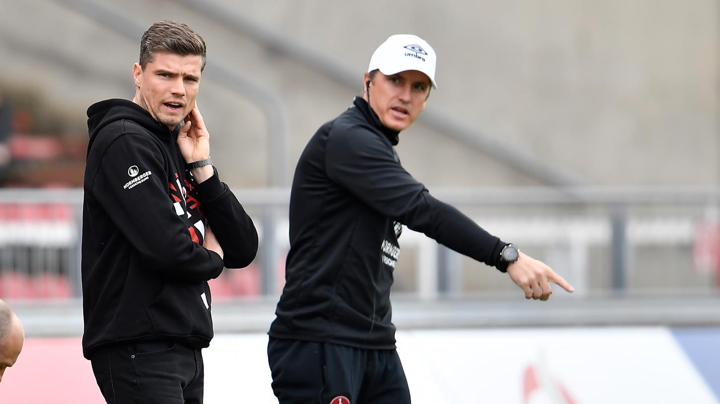 Robert Klauß erwartet von Frankreich den EM-Sieg, sein Co-Trainer Tobias Schweinsteiger glaubt an die zuletzt viel kritisierten Deutschen.