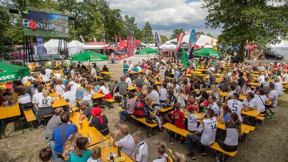 Zur WM 2018 trafen sich die Rother im Traithlonpark. Aufgrund der Auflagen winken heuer aber viele Wirte ab.