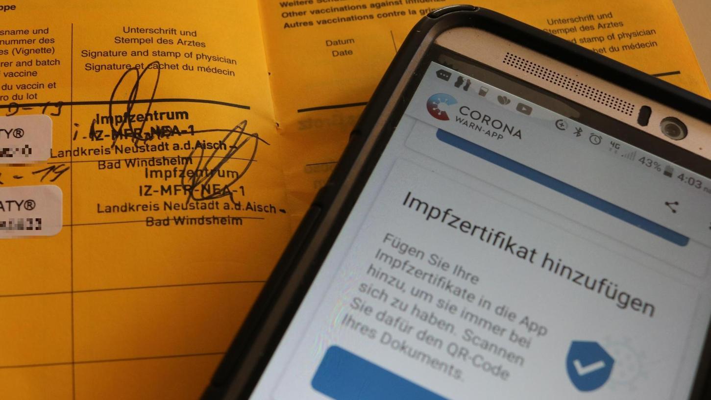 Vom analogen gelben Pass zum digitalen Impfnachweise: Dafür ist ein spezieller QR-Code nötig.
