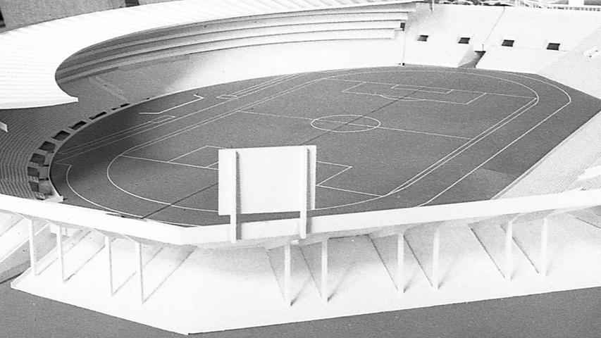 Die Staatsregierung will den Ausbau des Nürnberger Stadions für die Fußballweltmeisterschaft über die bereits zugesagten vier Millionen DM hinaus fördern. Hier geht es zum Kalenderblatt vom 17. Juni 1971:Favorisiert wird das Logenhaus