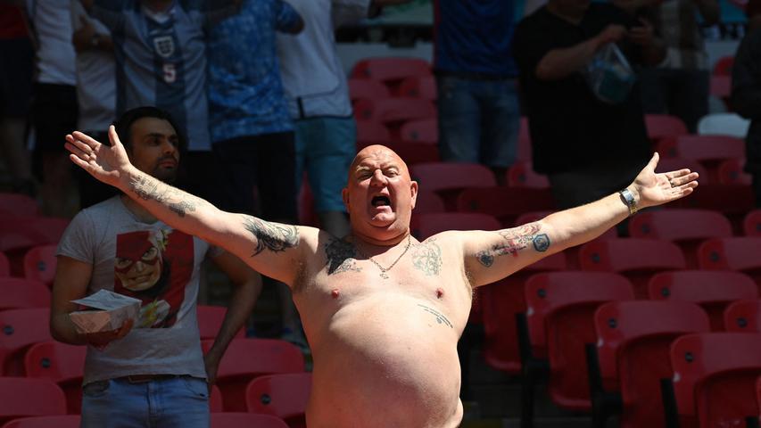 Glücklich, verzweifelt, oben ohne: Die schönsten Fan-Bilder von der EM