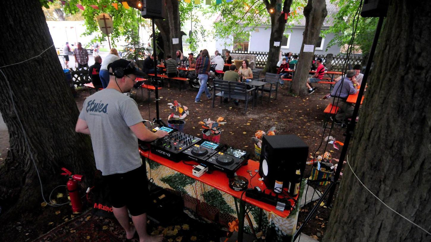 Am 25. und 26. Juni versorgt der Waldstock-Verein die Gäste wieder mit basslastiger elektronischer Musik.