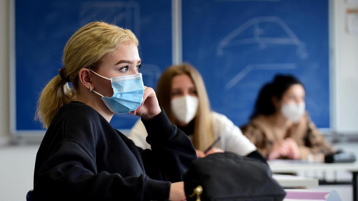 Im Unterricht sind auch künftig Masken zu tragen. Schulreferent Markus Braun hofft, dass sich da noch etwas bewegt.