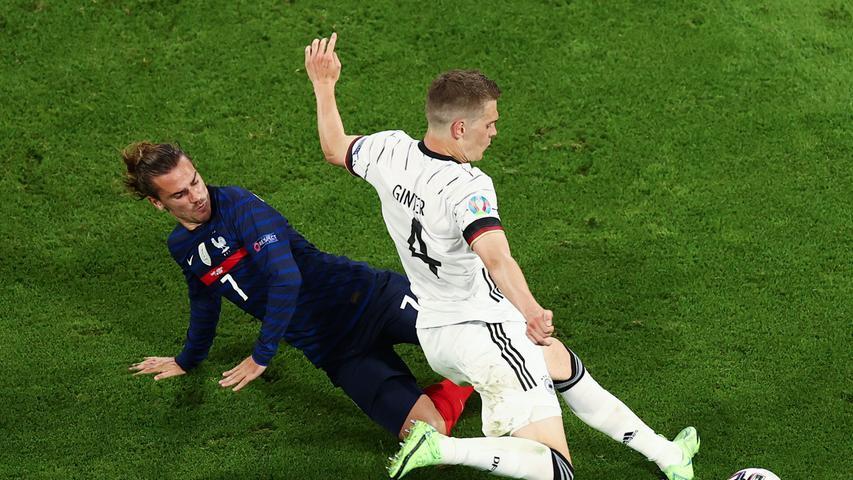 Schnell genug, um Kylian Mbappé abzugrätschen, was alleine schon eine Nominierung für die olympischen Sprint-Wettkämpfe verdient hätte. Ansonsten gut damit beschäftigt, die französischen Super-Stürmer zu bändigen. 