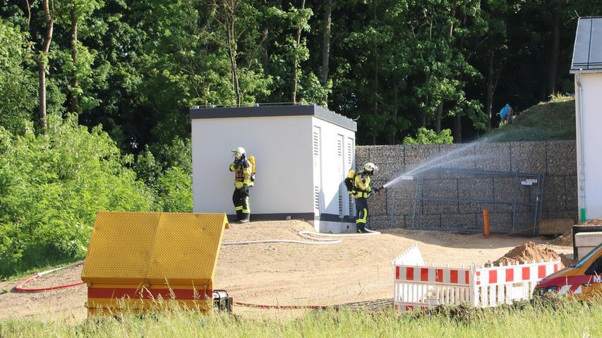 Foto: Kreisbrandinspektion Forchheim übermittelt von  - Datum: 15.06.2021..Motiv: Forchheim, Chlorgasunfall, Chlorgas, Einsatz Feuerwehr, Atemschutz, Gasunfall,