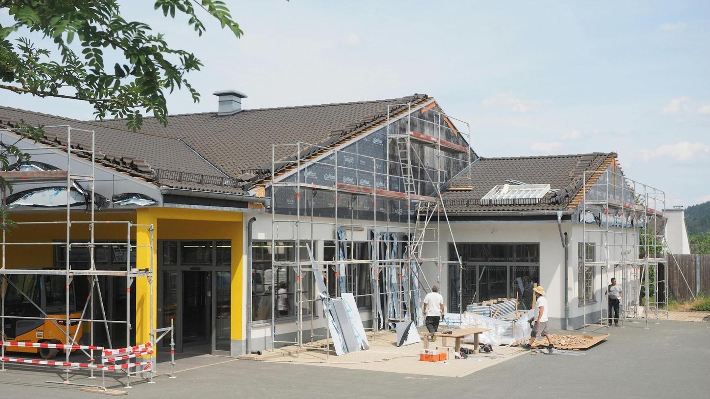 In den ehemaligen Netto-Markt an der Nürnberger Straße zieht der Discounter Lidl aus der Nachbarschaft. Bereits Mitte Juli soll der Einkaufsmarkt öffnen.