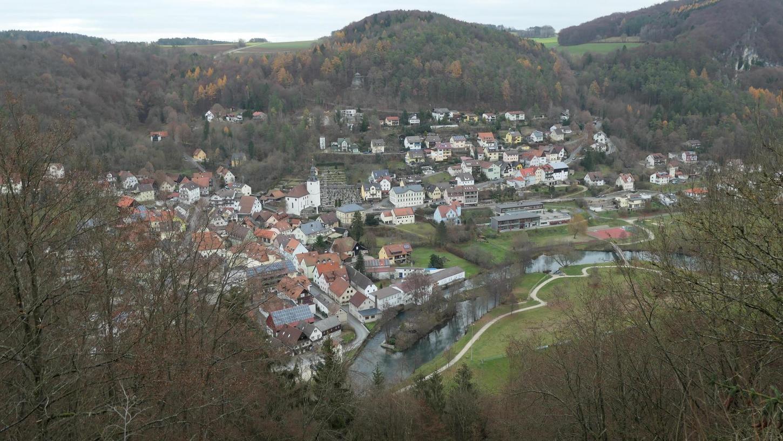 Nicht nur im Hauptort Muggendorf (Bild) sorgen geparkte Autos für Ärger.