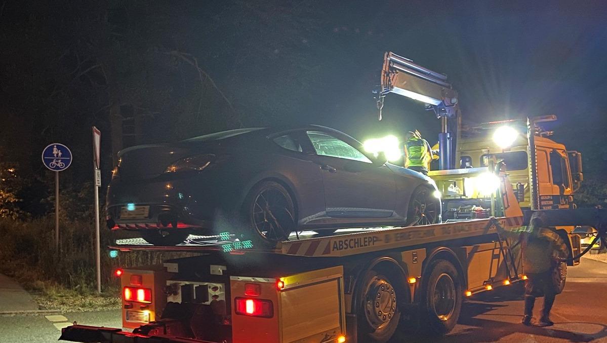 Die Polizei ließ das getunte Fahrzeug sicherstellen.