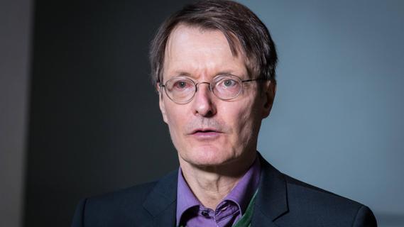 Lauterbach warnt: Kein Restaurant- oder Clubbesuch für Ungeimpfte