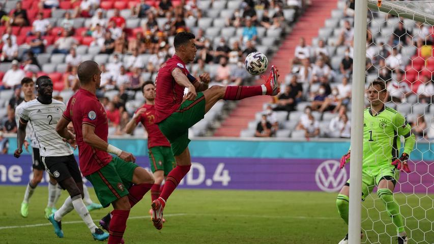 Diogo Jota ließ die Portugal-Fans im Stadion nach artistischer Vorlage von Ronaldo zumindest wieder ein bisschen hoffen.