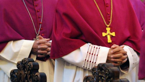 Nach Studie: Hunderte neue Hinweise auf Missbrauch in katholischer Kirche