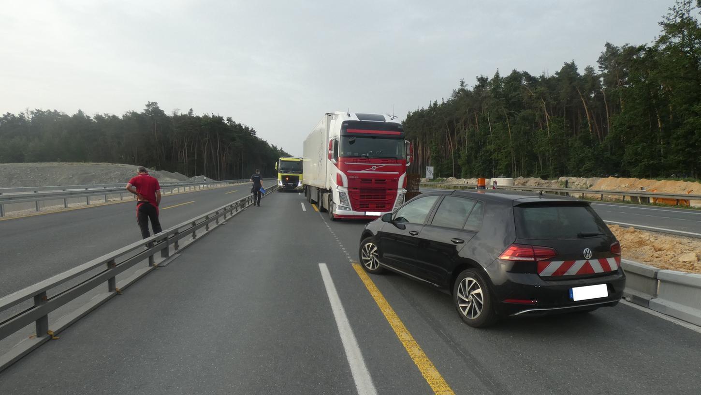Ab hier ging es für den Brummifahrer, der auf der A3 in Richtung Würzburg unterwegs war, nicht weiter.