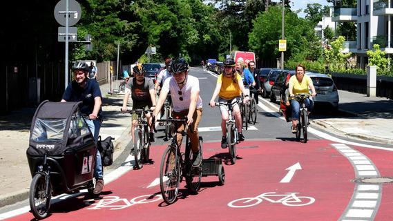 Bahn frei: Fürths erste Fahrradstraße ist eröffnet
