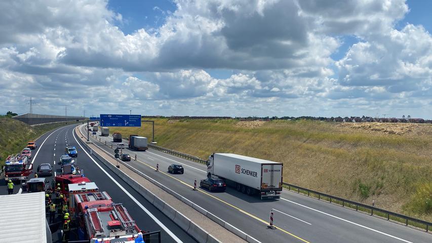 Der Unfall ereignete sich auf der A3 zwischen den Anschlussstellen Neutraubling und Regensburg-Ost.
