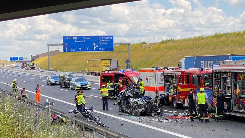 In Fahrtrichtung Regensburg/Nürnberg wurde die Autobahn gesperrt.