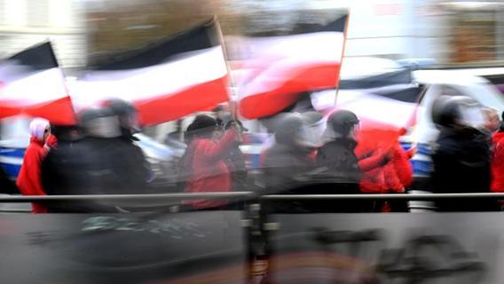 Klare Mehrheit findet Rechtsextremismus bedrohlich