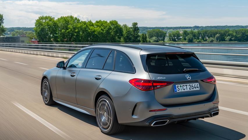 Die Limousine startet zu Preisen ab 41.138 Euro als C 180, das T-Modell ist ab 46.975 Euro zu haben, wobei die Palette erst mit dem C 200 beginnt.