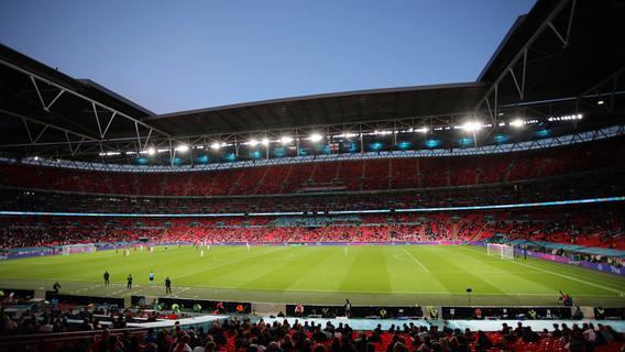 Corona-Ausnahmen: 2000 ausländische Fans beim EM-Finale