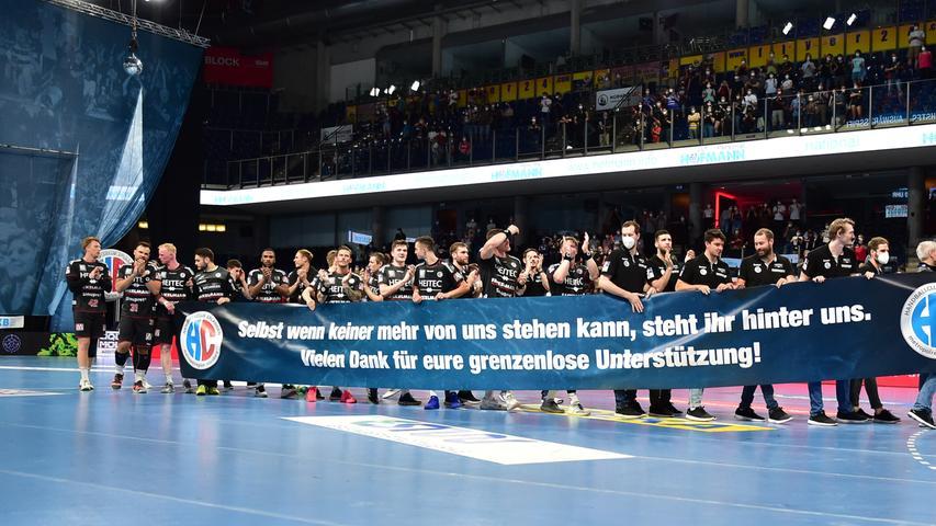 23.06.2021 --- Handball --- 1. Bundesliga LIQUI MOLY HBL --- Saison 2020 2021 --- 37. Spieltag: HC Erlangen Metropolregion Nürnberg HCE - SG Flensburg-Handewitt --- Foto: Sport-/Pressefoto Wolfgang Zink / OGo --- ..Mannschaft Team nach Spielende