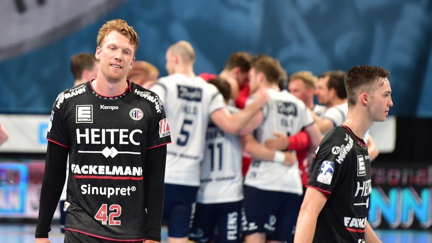23.06.2021 --- Handball --- 1. Bundesliga LIQUI MOLY HBL --- Saison 2020 2021 --- 37. Spieltag: HC Erlangen Metropolregion Nürnberg HCE - SG Flensburg-Handewitt --- Foto: Sport-/Pressefoto Wolfgang Zink / OGo --- ..Simon Jeppsson (42, HC Erlangen HCE ) enttäuscht / Enttäuschung nach Spielende