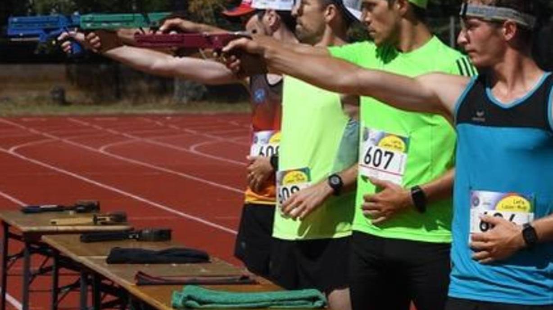 Bei den Internationalen Deutschen Meisterschaften im Laser-Run 2020 lag die Spitzengruppe der leistungsstärksten Athleten beim dritten Schießen eng beieinander. Am Samstag geht es auf dem Gelände der Bertolt-Brecht.Schule wieder zur Sache.
