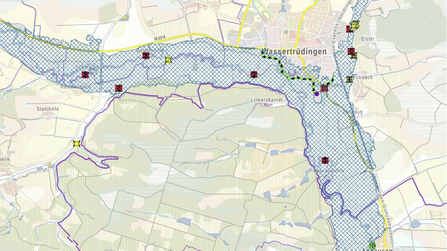Die blau schraffierte Fläche zeigt den Bereich der Wörnitzauen bei Wassertrüdingen. Der Vorschlag von Hans-Werner Kummerow lautet, dass man in diesem Bereich auch ein ganzjährig stehendes Gewässer einrichten könnte.