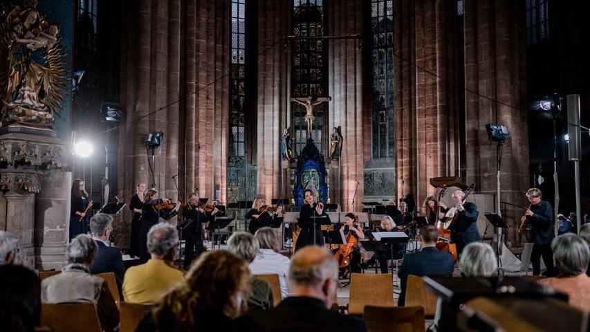 Der Bayerische Rundfunk bietet das Konzert in seiner Mediathek als Stream an.