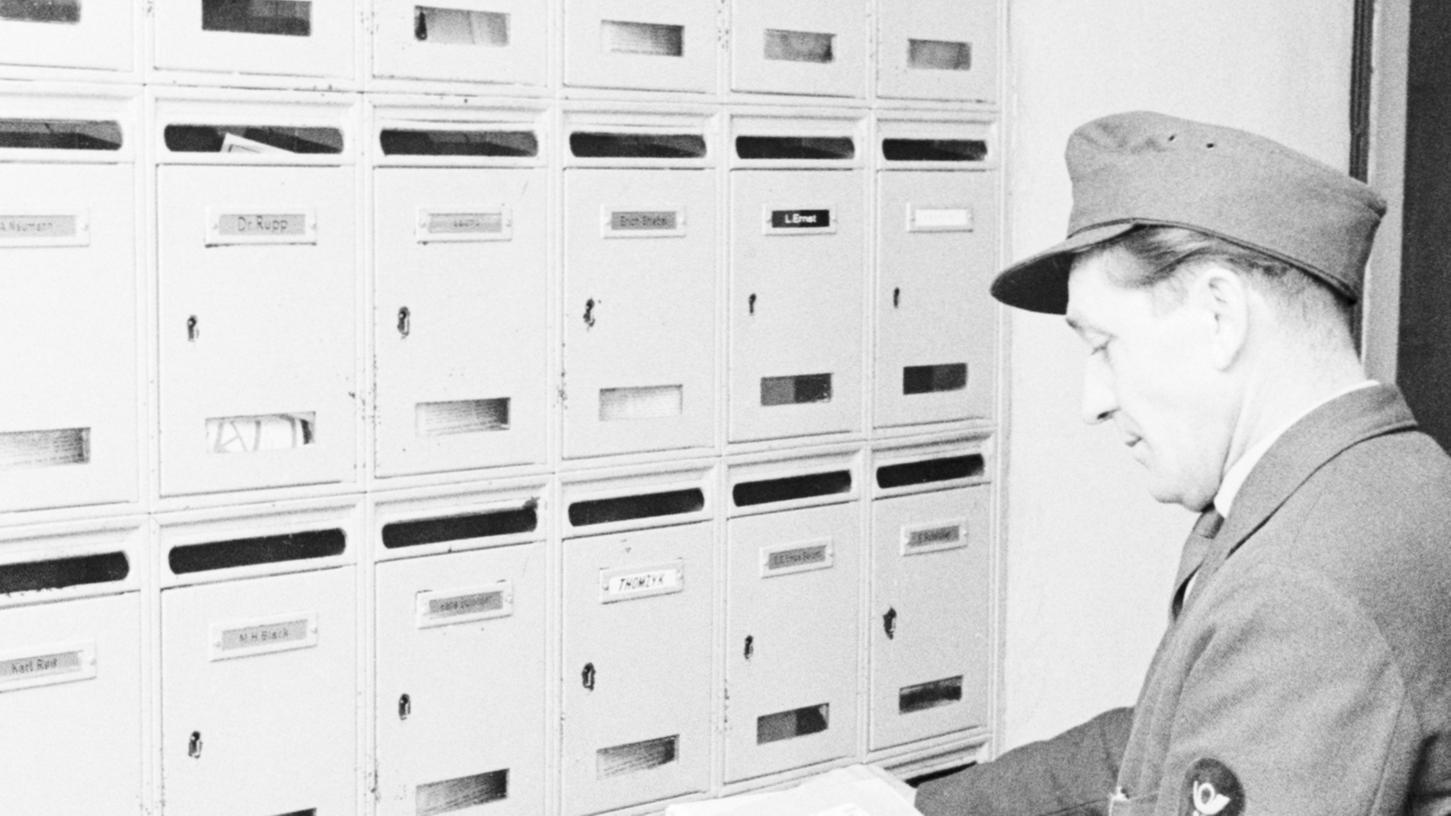 Ausdauer war auch früher schon gefragt. Die Anforderungen an die Zusteller der Post sind über die Jahrzehnte aber immer weiter gestiegen. Allein in den vergangenen zehn Jahren hat sich die Anzahl der Pakete fast verdreifacht.