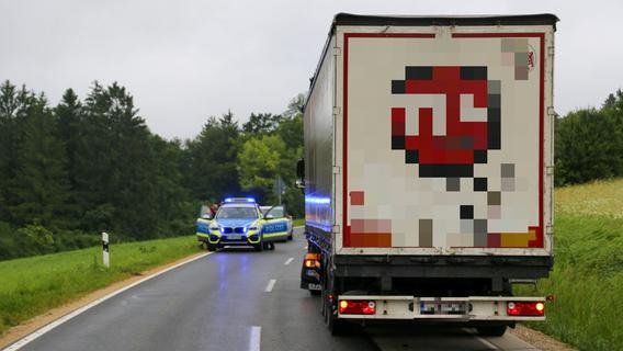 Beim Überholen von Pannen-Lkw: Schwerer Unfall bei Günching