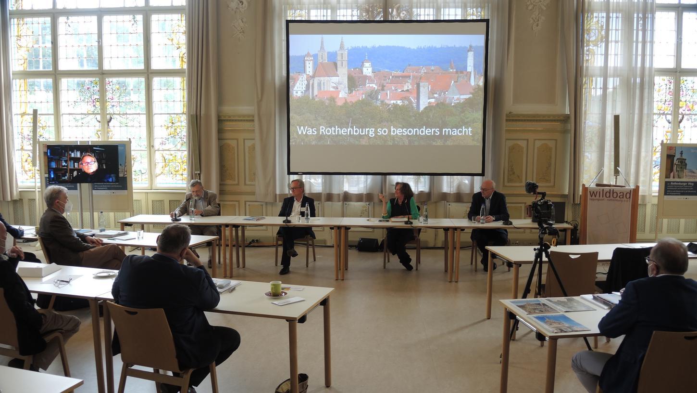 Wissenschaftliche Tagung zum Rothenburger Weg. Bei der Podiumsdiskussion in der Tagungsstätte Wildbad.