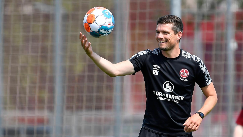 FCN-Trainer Robert Klauß arbeitet mit seiner Mannschaft bereits fleißig auf den ersten Spieltag hin.