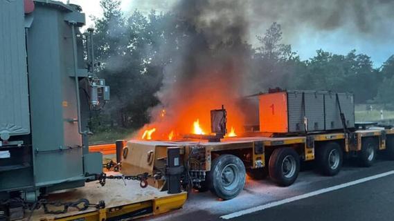 Laster brennt in Franken aus: A9 über Stunden gesperrt
