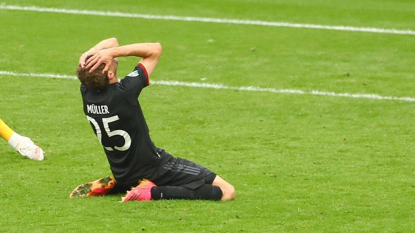 Dass ihn jene Szene aus der 81. Minute noch lange verfolgen würde, das gestand der Gute-Laune-Onkel der Nation tags darauf in einem emotionalen, erstaunlich reflektierten Instagram-Post. Müller hätte gegen England ausgleichen können, ja müssen, schoss den Ball aber knapp am Tor vorbei. Wenig später war das Spiel verloren, Deutschland ausgeschieden, die Ära Löw beendet und Müller auch nach seiner dritten EM-Teilnahme ohne Tor. Dem glücklosen Rückkehrer tat das alles