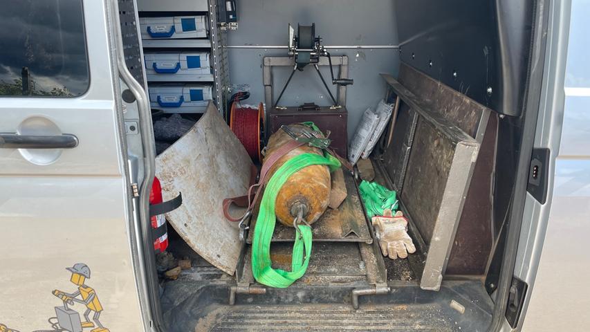 Er war mit zwei Aufschlagzündern und einer Explosionsmasse von rund 56 Kilogramm ausgestattet.