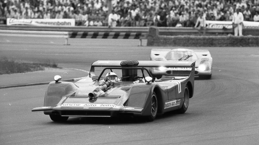 Nürnberg steht mit dem internationalen 200-Meilen-Rennen am nächsten Wochenende (10./11. Juli) die heißeste Autoschlacht seiner Geschichte bevor.Hier geht es zum Kalenderblatt vom 4. Juli 1971:18.000 entfesselte PS bei den
