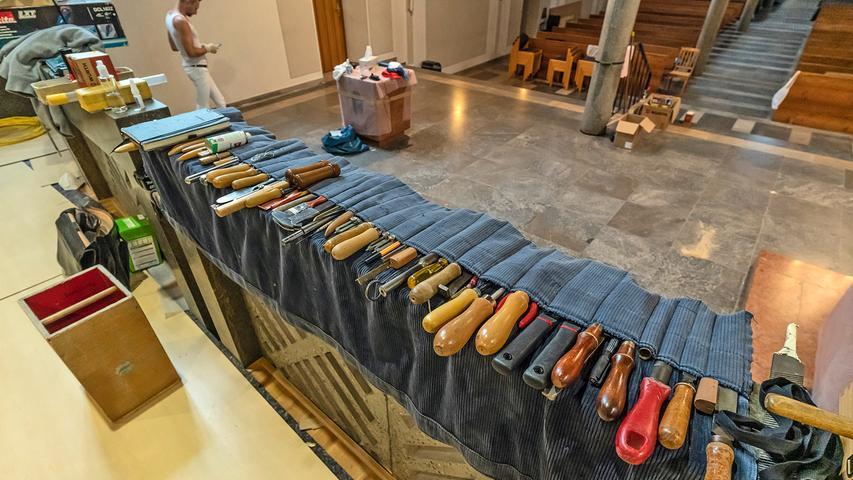 Das Intonateursteam der Firma Klais verfügt über ausgedehnte Werkzeugbestände.