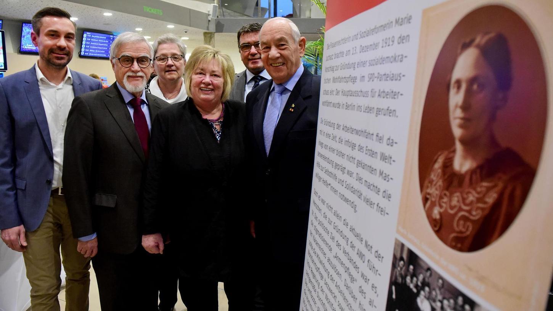 Benedikt Döhla (im Bild ganz links), hier Ende 2019 bei einem Empfang anlässlich des 100. Geburtstags der Arbeiterwohlfahrt mit örtlichen Verantwortlichen des Sozialverbands, gilt als aussichtsreichster Bewerber für die künftige Leitung des Sozial- und Kulturreferats in Fürth.