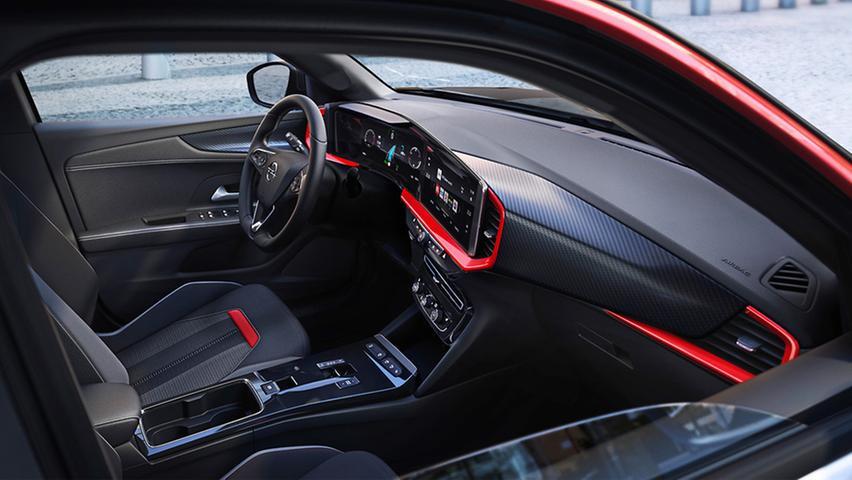 Cockpit: Die größere Ausbaustufe des Navi-Infotainments mit 12- und 10-Zoll-Bildschirm kostet Aufpreis.