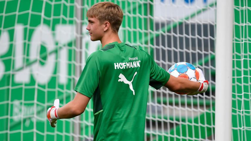 03.07.2021 --- Fussball - 1. Bundesliga - Saison 2021 2022 --- SpVgg Greuther Fürth Fuerth --- Training Trainingsauftakt ---  Foto: Sport-/Pressefoto Wolfgang Zink / WoZi ---   Lasse Schulz ( SpVgg Greuther Fürth )