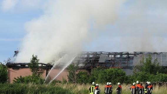 Große Rauchsäule, tote Kälber: Brand in Heidenheim verursachte hohen Schaden