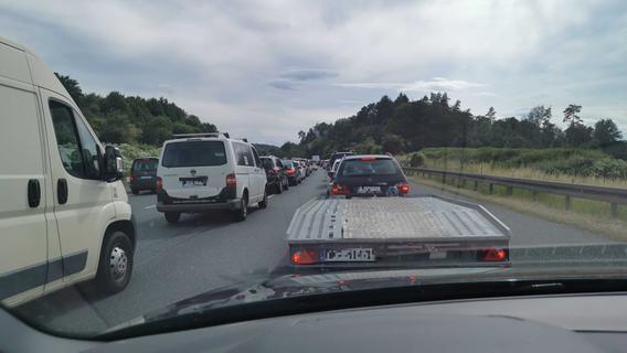 Strecke völlig überlastet: Nach Brückenabbau auf A9 herrschte Stau-Chaos